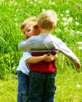 gallery_boys_hugging